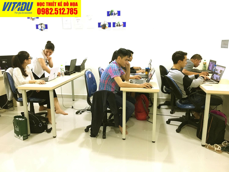 Lớp học thiết kế đồ họa ở TPHCM