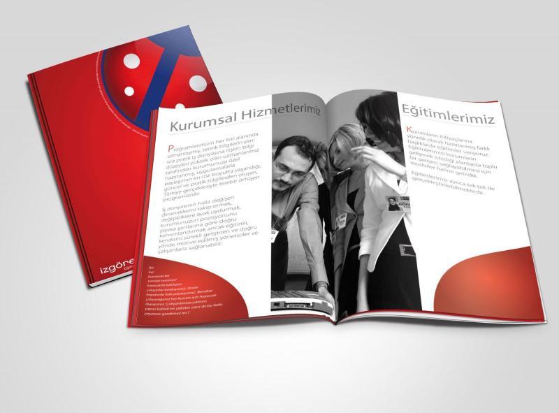 Học viên tạo trang bìa với phần mềm illustrator