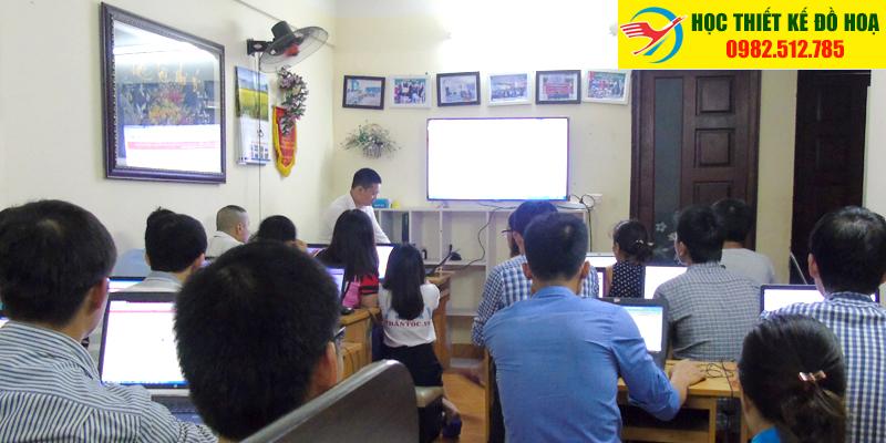 Lớp học thiết kế đồ họa hòa đồng tại TPHCM